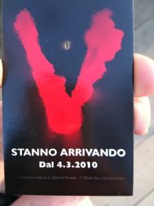 """""""Stanno arrivando"""". Sorpresa per alcuni automobilisti a Milano! Guerrilla Marketing di Mediaset Premium"""